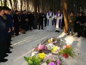 Privlaka-na mjestu gdje je Šutrin ubijen na godišnjicu smrti mole se puk i svećenici